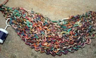 elliebelly sea wool storm cloud shawlette